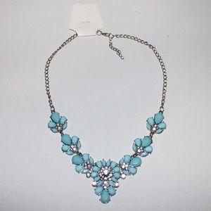NWT Blue Beautiful Fashion Necklace